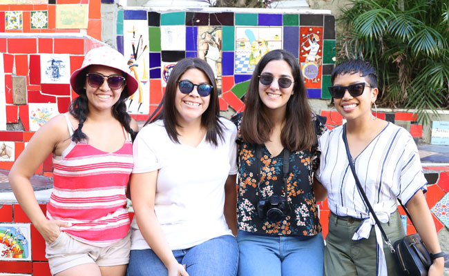 Honors scholars and alums Samantha Vasquez '21, Mariana Porras '18, Isabel Villarreal '20 and Stephanie Tuazon '13 in Rio de Janeiro.