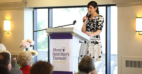 Michella Mousaed '18 shares about her study abroad experience at the President's Scholarship Luncheon.