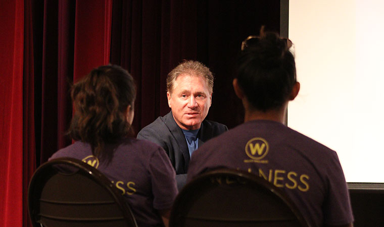 Dr. Wayne Scott Andersen talks to peer wellness advocates about wellness coaching on Feb. 15. (Photo by Jennifer Morgan '18)
